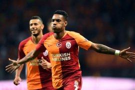 Hasil dan klasemen Grup D, Galatasaray memulai dengan tiga poin