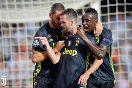 Juventus tetap bekap Valencia kendati Ronaldo kartu merah