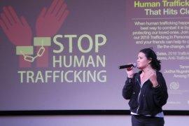 Melanie Subono edukasi antiperdagangan orang dari akar rumput
