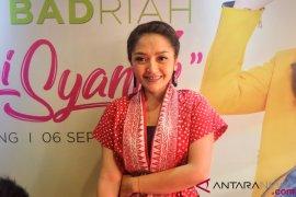 Siti Badriah punya koleksi busana pribadi di Salestock