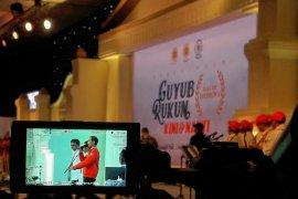 Jokowi ajak mengobrol alumni UGM yang pernah berutang