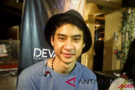 Beda dari Iis Dahlia, Devano pilih pop untuk karir musiknya
