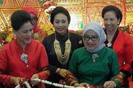 Ibu Negara Iriana hadiri Pameran Kerajinan