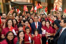 Diaspora Indonesia sambut Jokowi di Hanoi