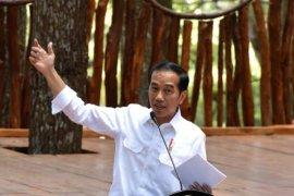 Jokowi dielu-elukan kepala desa-lurah se-Indonesia
