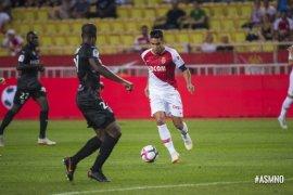 Radamel Falcao sumbang gol saat Monaco imbang 1-1 dengan Nimes