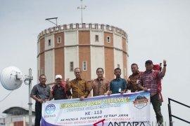 Tirtanadi lepas dua pendaki Gunung Binaya