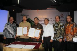 Pekerja Hutan Jatim Dapatkan Perlindungan BPJS Ketenagakerjaan