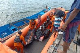 Basarnas temukan seorang nelayan tewas di perairan Halsel