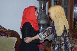 Puti Guntur Soekarnoputri ucapkan selamat kepada Khofifah