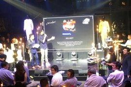 Sean Gelael ikhlaskan atribut bersejarahnya untuk korban bencana Lombok