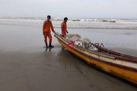 Warga Seluma korban kapal karam ditemukan selamat