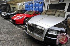 Ribuan mobil mewah di Jakarta menunggak pajak