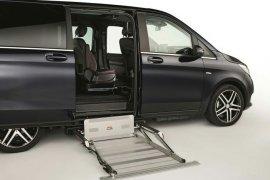 Mercedes-Benz V-Class tersedia dengan lift kursi roda