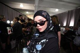 Vivi Zubedi unjuk karya lagi di New York Fashion Week 2018