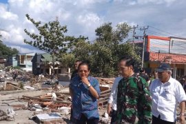 Presiden tinjau lokasi gempa, korban 668 jiwa