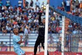 Dwigol Arnaud antar Persela tundukkan Bhayangkara FC