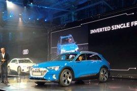 Audi luncurkan SUV listrik di kampung halaman Tesla, dengan bantuan Amazon