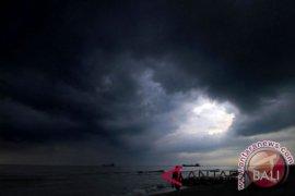 Hujan lebat berpotensi guyur sebagian Indonesia