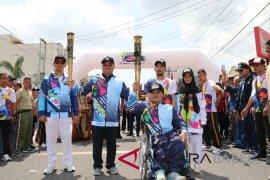 Ratusan siswa disabilitas antusias sambut pawai obor