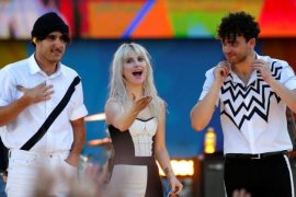 "Paramore pensiunkan lagu ""Misery Business"""