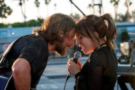 """A Star is Born"", memukaunya penampilan Lady Gaga"