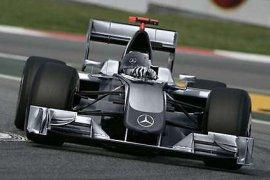 GP Singapura ujian Mercedes di trek Ferrari