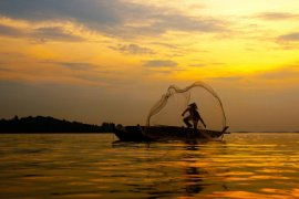 DKP Gorontalo Utara Kenalkan Lampu Air Garam Untuk Nelayan
