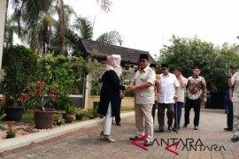 Prabowo Subianto silaturahmi ke keluarga Gus Dur
