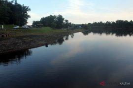 Air Waduk Manggar cukup untuk tiga bulan