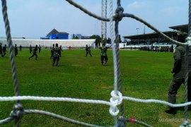 TNI-Polri mengikuti perlombaan HUT Yonif 305