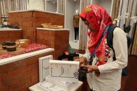 Koleksi Lokananta dipamerkan di Paviliun Indonesia