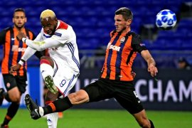 Cetak dua gol dalam tiga menit, Lyon imbangi Shakhtar 2-2