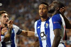 Hasil dan klasemen Grup D, Porto memimpin