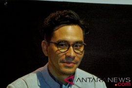 Darius Sinathrya kesulitan belajar azan daripada bahasa Sunda