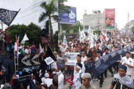 """Ribuan warga parade """"Kami Tauhid"""""""