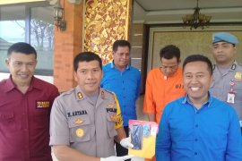 "Polresta Denpasar tahan ""bendesa adat"" miliki sabu-sabu"