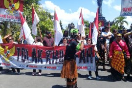 Umat muslim Bali tidak terpancing penurunan bendera HTI