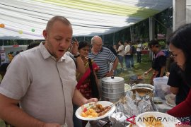 Dana dari Festival Wonderful Indonesia di India didonasikan untuk Palu