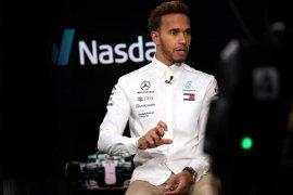 Hamilton start terdepan, gelar kelima di depan mata