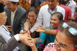 Ma'ruf Amin disambut meriah masyarakat Balige