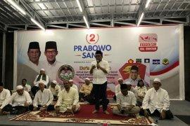 Ratusan santri mendoakan Prabowo-Sandiaga