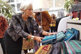 Tas motif Aceh laris pada pertemuan IMF