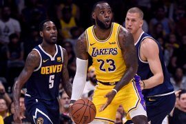 """Debut LeBron James berseragam Lakers """"hanya"""" berbuah sembilan poin"""