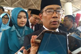 Ridwan Kamil ajak akademisi lawan hoaks