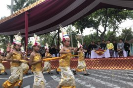 Presiden saksikan karnaval Bali setelah pertemuan IMF-WB