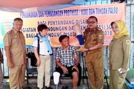 15 Penyandang Disabilitas Lampung Terima Kaki/Tangan Palsu