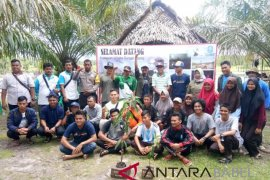 Peringati Sumpah Pemuda, KNPI Bangka peduli lingkungan
