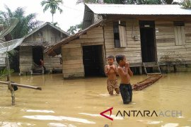 Warga pesisir barat Aceh agar waspada banjir