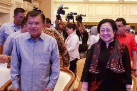 Megawati dan Jusuf Kalla hadiri pembukaan Rakernas TKN Jokowi-Ma'ruf